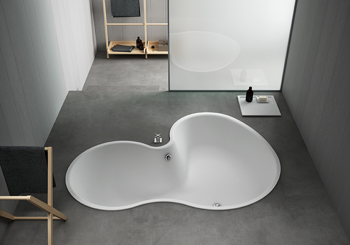 This tub has a lovely shape when viewed from above