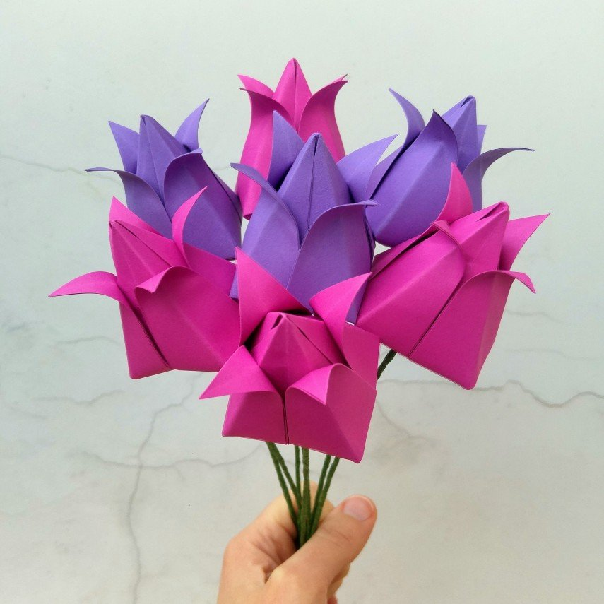 Origami faux bouquets can be any color at all