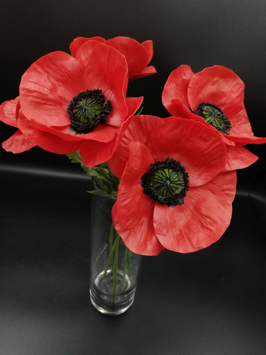 Faux flowers - red poppies are super realistic