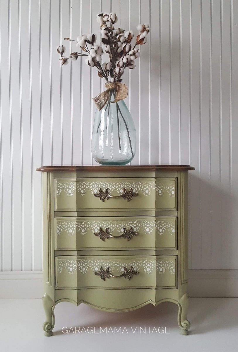 This vintage furniture uses white stencil design