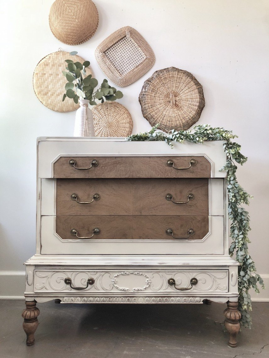 Leave parts of the furniture in natural wood for a pleasing contrast
