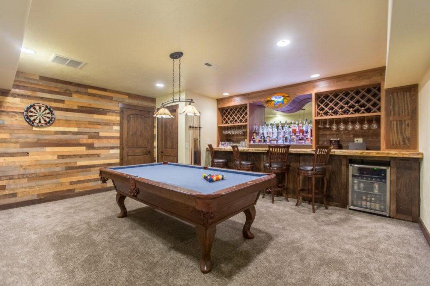 The perfect bar for your billiards room