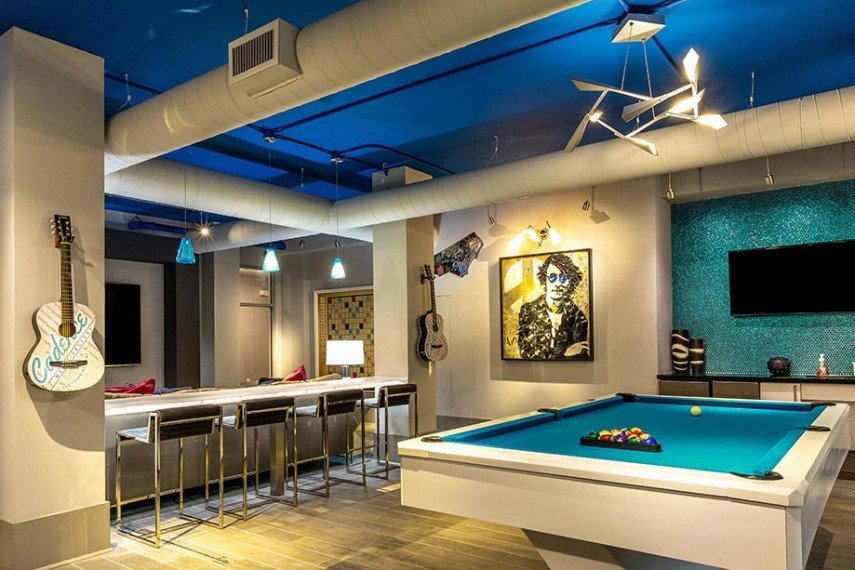 Rock and roll decor suits a billiards room