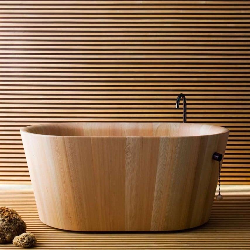 wooden Japanese style bathtub