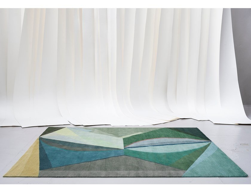 geometric shape patterned rug